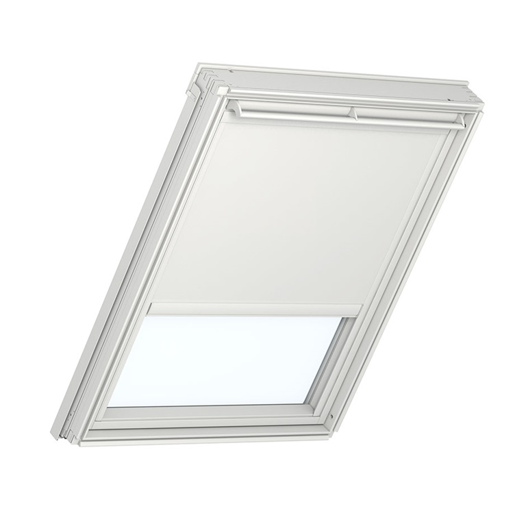 Control the light with solar powered blinds velux for Velux solar powered blinds