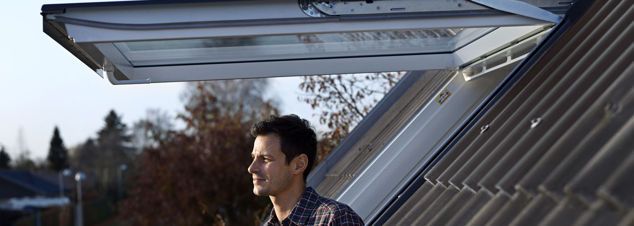Roof windows velux for Cleaning velux skylights